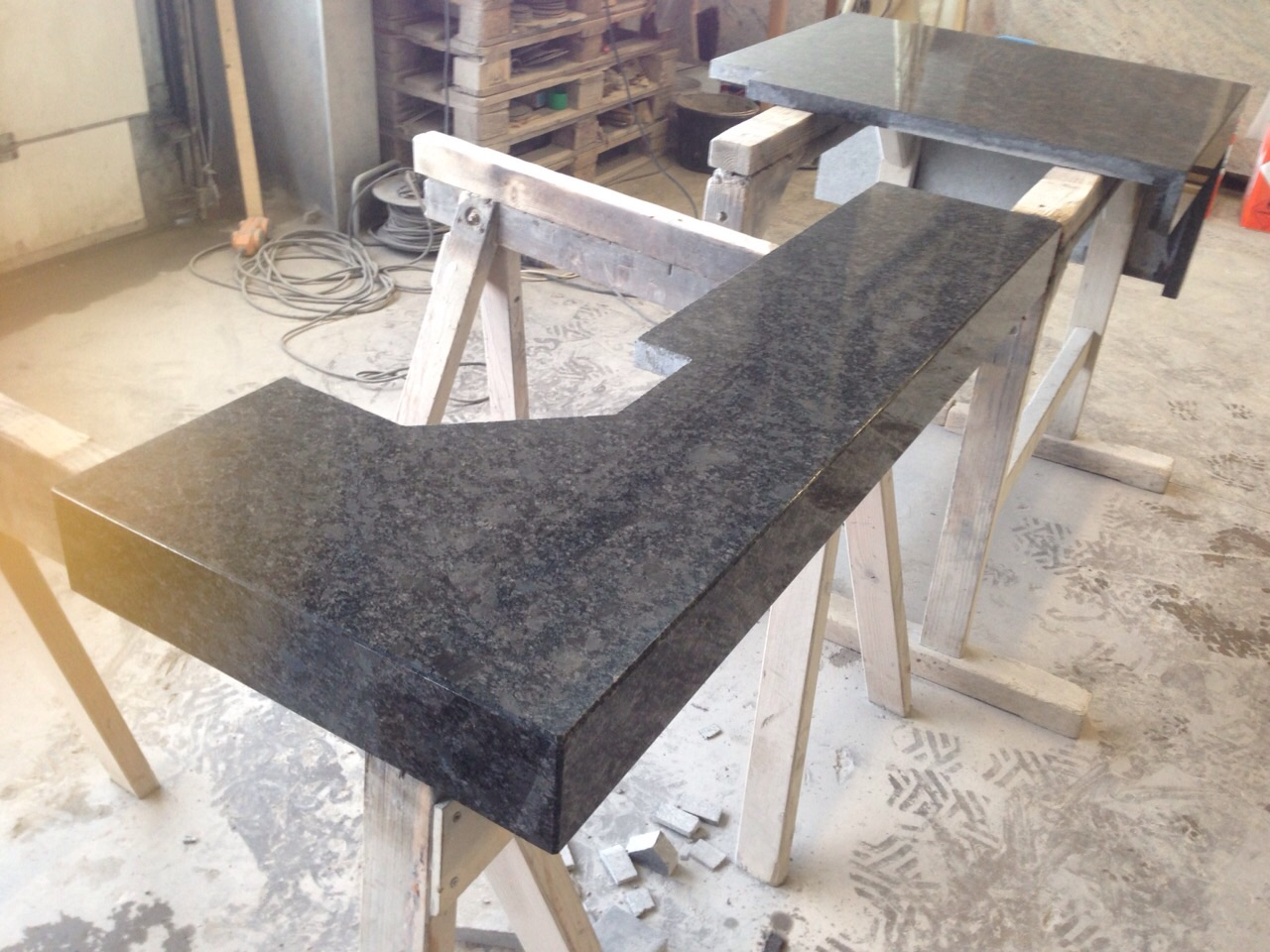 Material: steel gray
